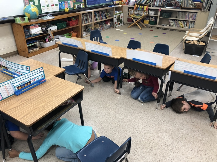 Kindergarten participating in the Great Central US Shakeout.