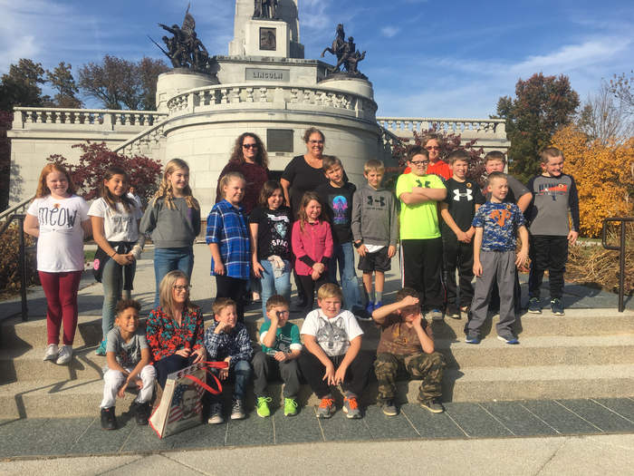 PVO 4th at Lincoln's tomb