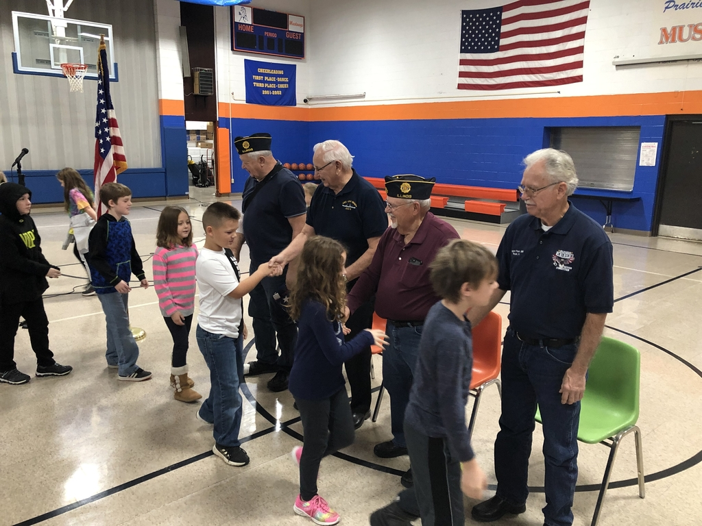 3rd Grade students thanking Veterans Kenny Brown-Marines, Don White-Navy, Carl Lewis-Navy, and George Mason-Army.